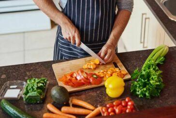 Feiten en fabels over rauw en gekookt eten