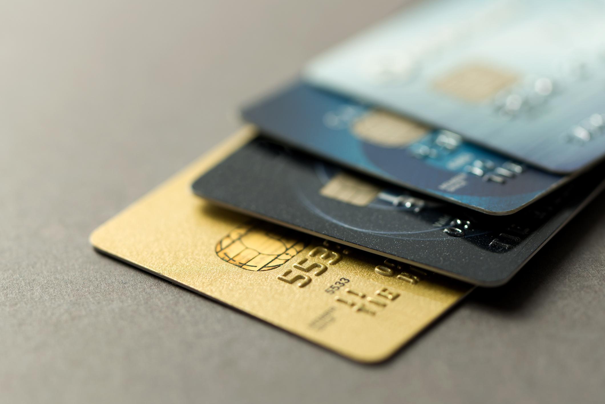 Vše, co jste chtěli vědět o platebních kartách (ale báli jste se zeptat)