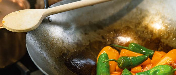 Vijf wereldse pannen voor wereldse gerechten