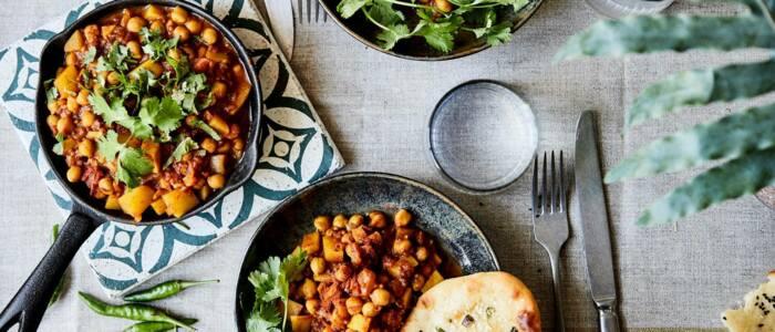Vegetarische en glutenvrije curry met kikkererwten en aardappels