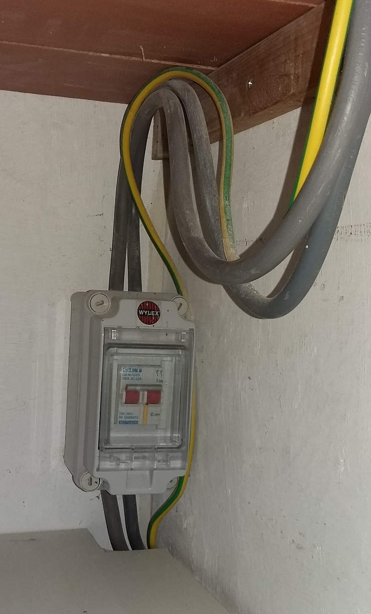 What Is The Procedure For Moving Security Tags In Meter Box Electrical Wiring Sub Dno Engineer Only Had To Check Cables Between And This Separate Main Switch Whenever My Electrician I Needed Do Further Work